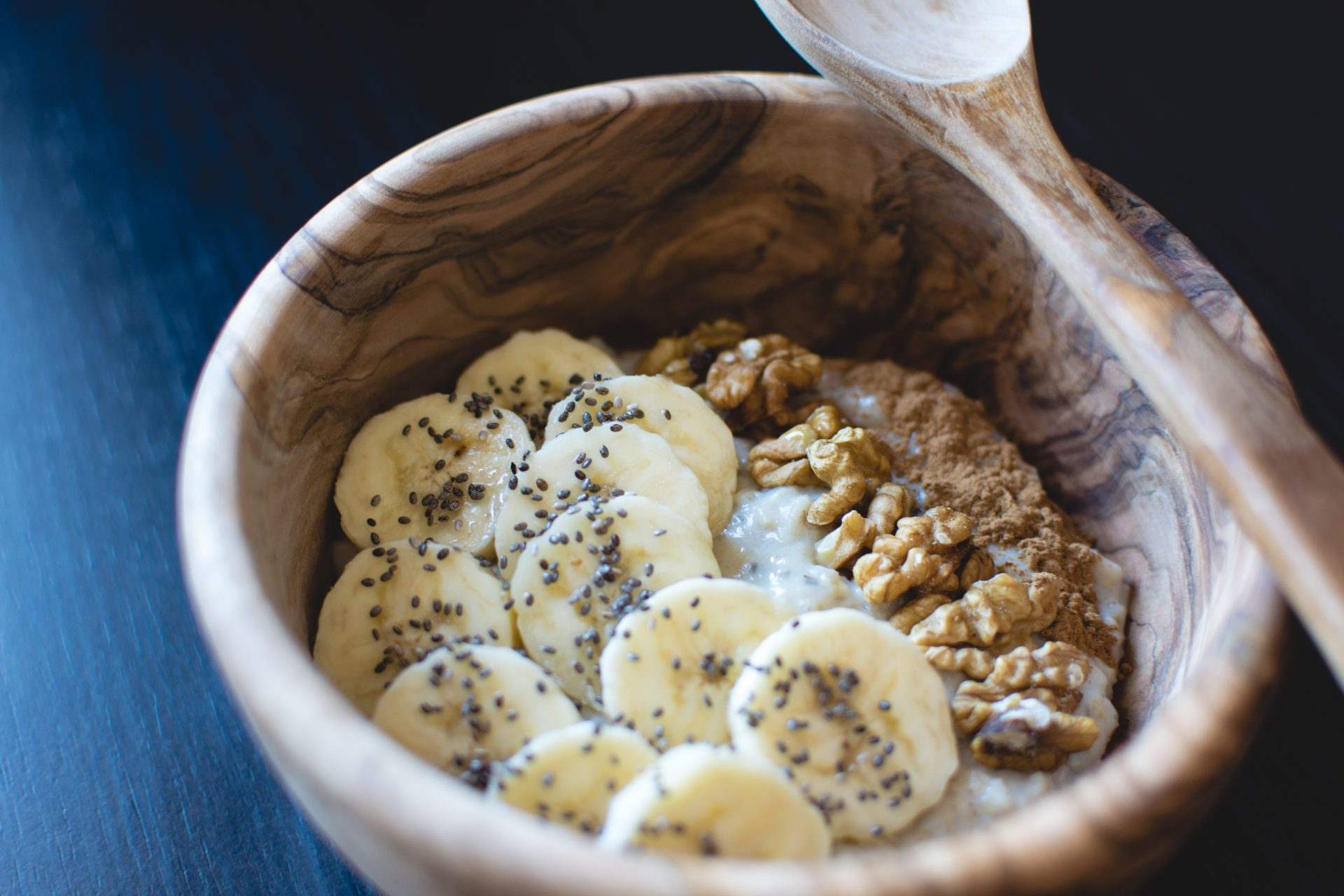 Oatmeal with Chia Seeds, Banana and Walnuts